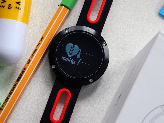 DM58 — умен часовник и фитнес гривна 4
